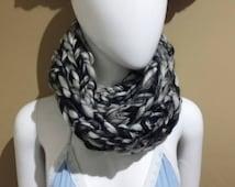 Black White gray chunky cowl scarf infinity Mobius bulky monochrome