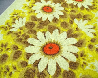 SALE Vintage New Yellow Flower Bath Towel / Camtex cotton polyester terry towel