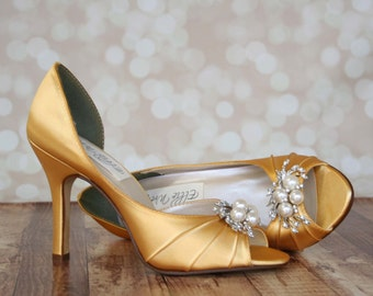 Gold Wedding Shoes, Yellow Gold Wedding, Gold Shoes, Peep Toes, Simple  Wedding