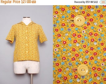 SALE 60s Floral Blouse / Vintage 1960s Yellow Blouse / Large
