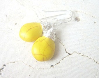 Yellow Turquoise Wire Wrapped Earrings. Yellow Howlite Dangle Earrings. Yellow Turquoise Briolette Earrings.Yellow Earrings. Yellow Jewelry