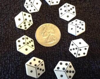 Las Vegas dice plastic washable buttons