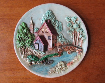 Vntg Cottage Chalkware Wall Hanging