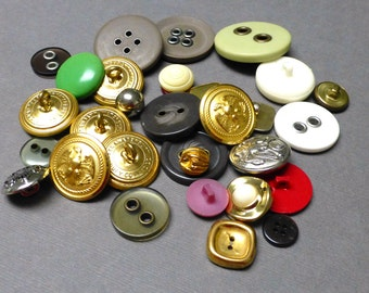 Lot of Vintage Buttons. Various Colors. Goldtone. Metal. Plastic. Thirty-Three (33).