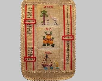 Vintage Kitsch Tourist Florida Perpetual Calendar and Bill Holder Made of Raffia