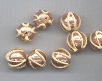 """Six extraordinary vintage West German lucite beads with """"icing"""" - shiny golden brown and opaque beige - 13.5 mm"""
