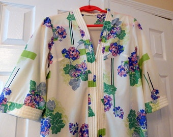 Vintage Robe Dressing Gown Lounging Gown Maxi Dress Floral Hawaiian Beach Cover Up House Dress Robe Housecoat Mumu