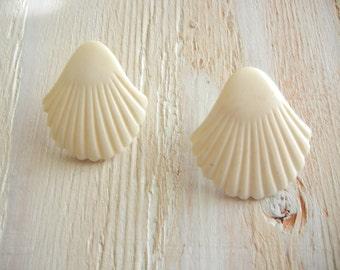 Vintage Seashell Earrings | Carved Bone Earrings