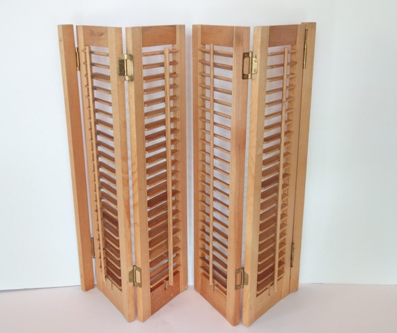 Reserved Wooden Louvered Interior Window Shutters 4 Panels