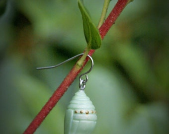 Monarch Chrysalis Pendant (Freshly Spun)