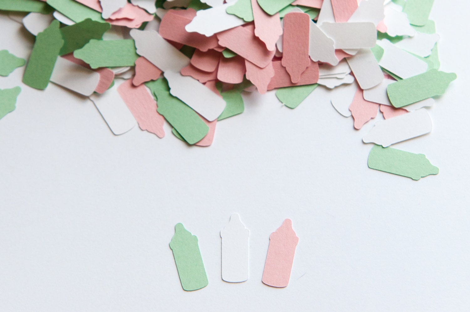 Bottle confetti baby shower decoration baby shower for Baby confetti decoration