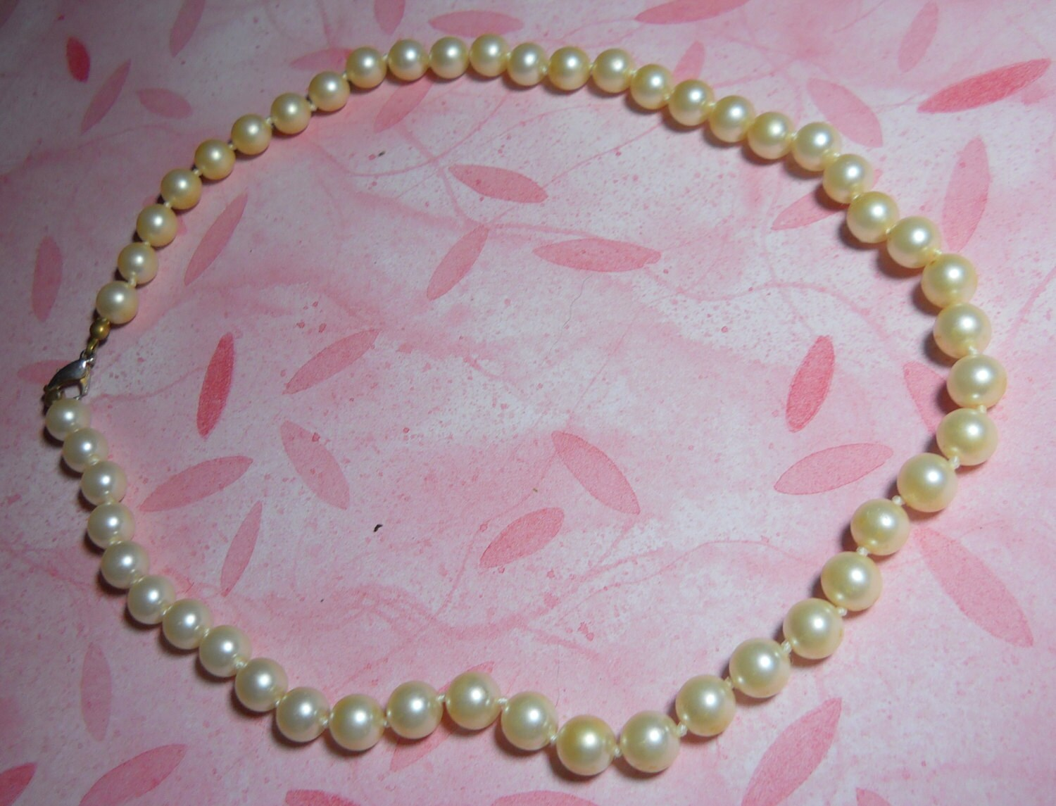 a string of pearls necklace jewelry set a by fromglentoglen