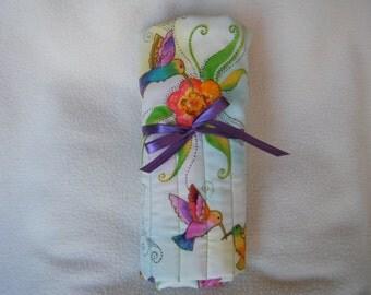 Beautiful Colorful Hummingbird Roll-up Crochet Hook Case