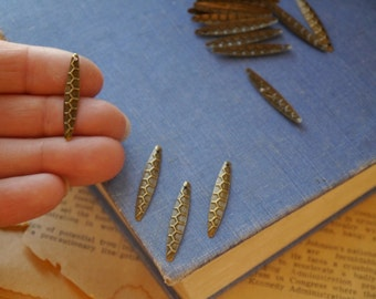 CLEARNACE 100 pcs Antique Bronze Teardrop Dangle Hammered Charm Pendants 28mm (BC2569)