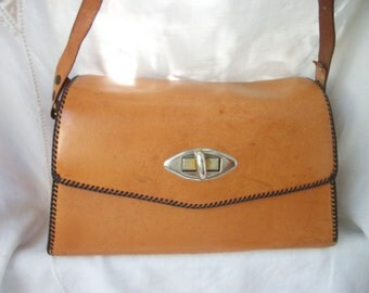 Vintage Leather Hardbody Purse ~ Gorgeous Brown ~ Handmade ~ Adjustable Strap ~ Medium Sized ~ Classic Boho/Hippie / Western Chic