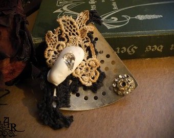 Vintage & Antique Mixed Media Wearable Art Assemblage Brooch