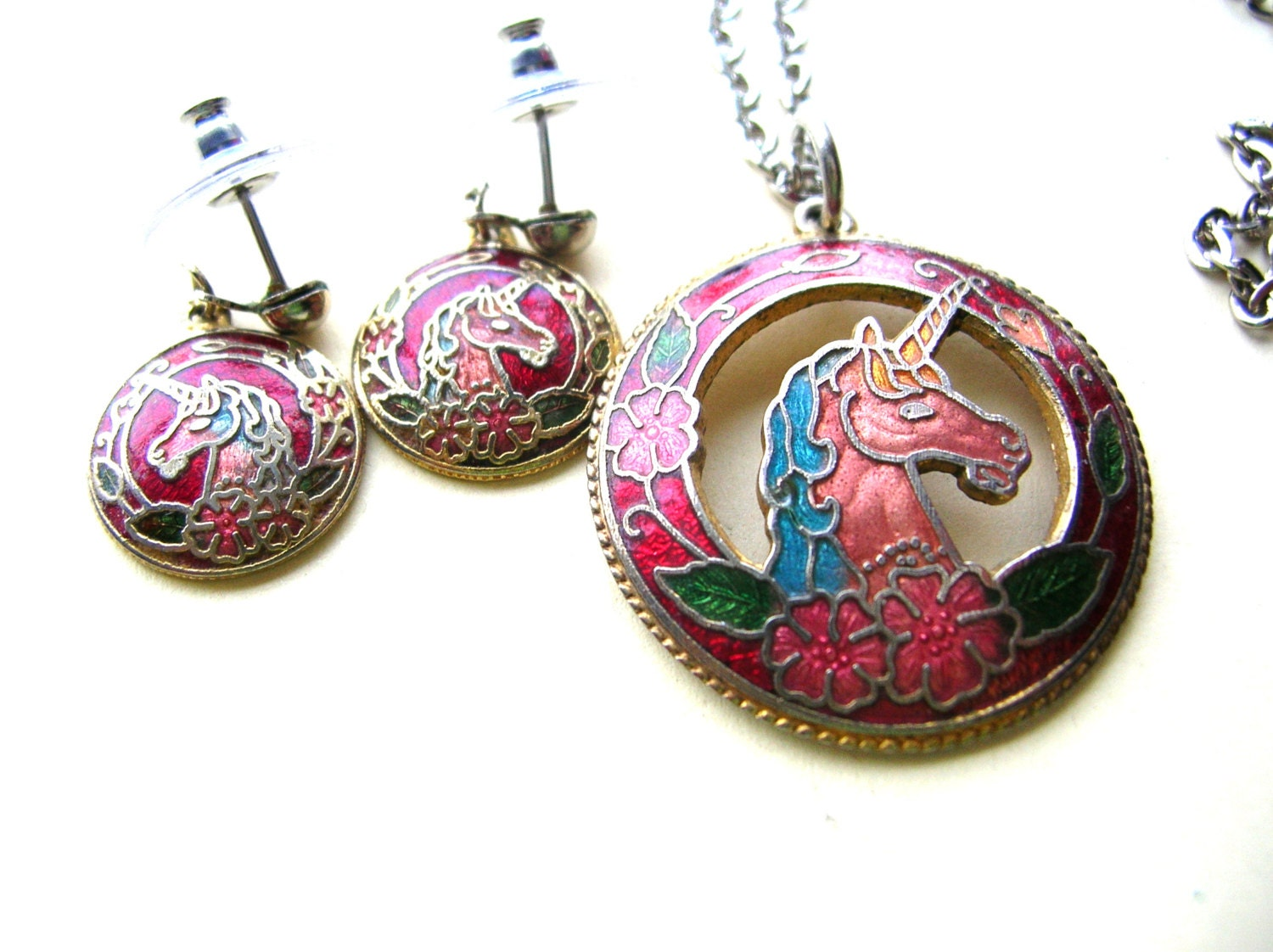 Vintage Enamel Unicorn Earrings And Necklace Set 80s Unicorn. Coral Rose Brooch. Ostrich Feather Brooch. Iridescent Brooch. Embroidery Brooch. Bandeau Brooch. Three Strand Brooch. Crystal Flower Brooch. Woman Saree Brooch