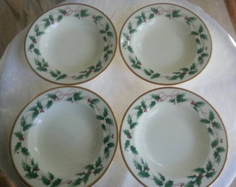 Set of 4 Mikasa Christmas Ribbon Holly Bowls for Soup or Salad, CAF03