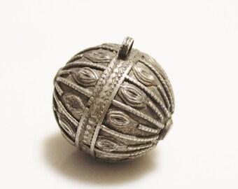 Large Yemen Tribal Silver Bead, Ethnic Beads, Focal Bead (L15)
