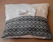 Vyshyvanka pillow. Ukrainian embroidered pillow, white and red, Folk Ukrainian pillow, white. Wedding Vyshyvanka pillow. Ukrainian gift