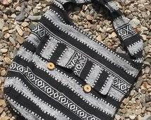 Attractive Hand-woven Cotton Messenger BAG Handbag Tote sack White Black Tan Wooden Buttons Zipper pouch Carry All Laptop satchel gift bag