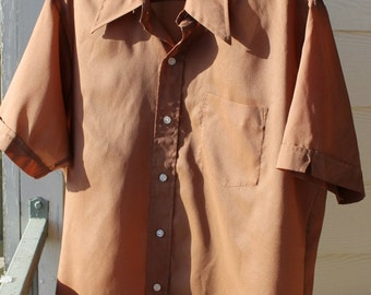 """1970s K Mart shirt Polyester Crepe Light and Retro Fabric True Vintage Mens Size Large 16-16 1/2"""" collar w Pointy 70s collar"""