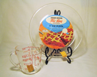 """NOS Anchor Hocking Fire King 9"""" Pie Plate and One 1 Cup Measuring Cup - 1960s Deadstock NWT / Vintage Wedding Gift Kitchen Baking"""