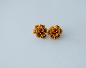 Retro floral clip on earrings