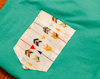 Arrow print pocket tee Large scoop neck