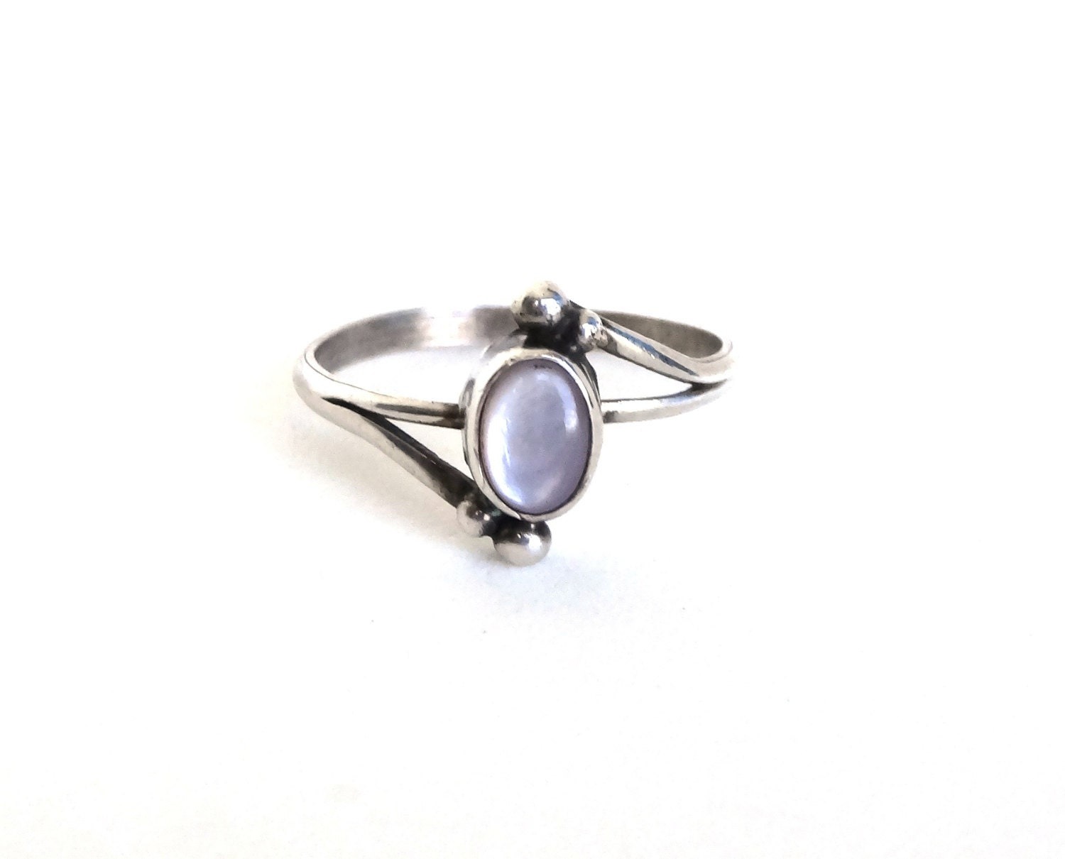 Vintage Mother Of Pearl Ring Sterling Silver Native American
