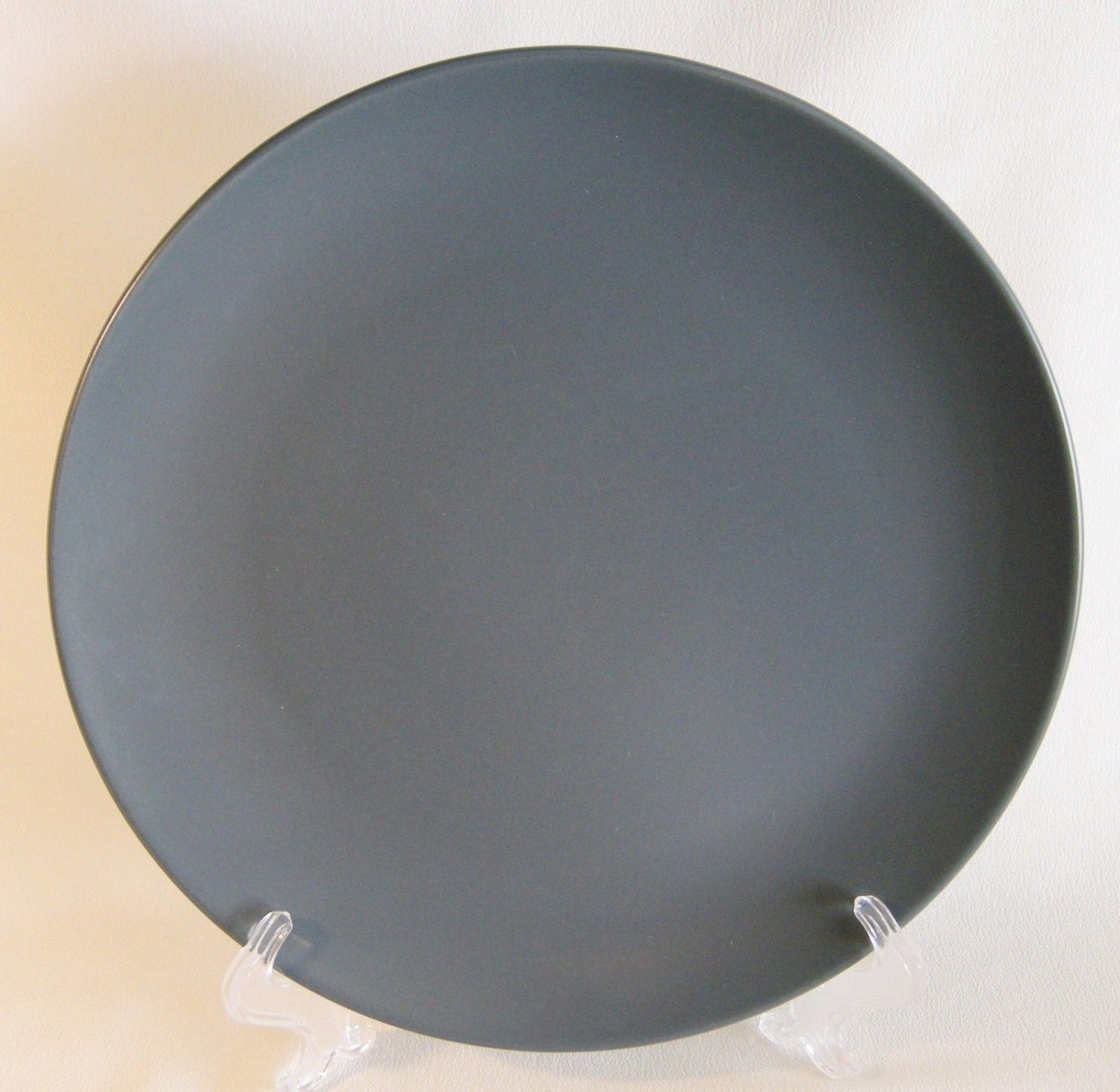 ikea sweden 2 dinner plates grey gray dark solid colored 18691