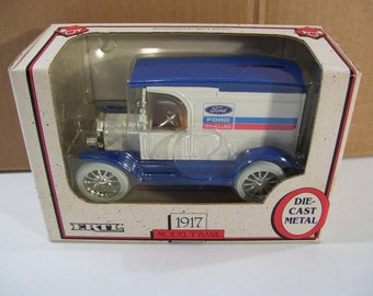 Vintage Ertl 1917 Ford Model T Diecast Metal Coin Piggy Bank 1990, 1/25 Scale, In Box