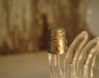 HALLEYS COMET silver pewter thimble metal very nice delicate design relief THIMBLE VIintage   etsy Metal  no 5b thimble sewing notion gift
