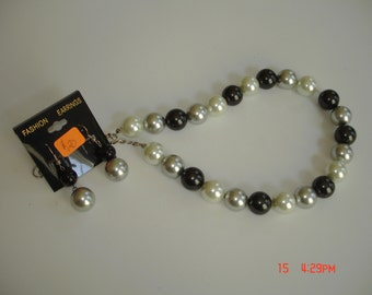 Black, Grey, White Pearl Necklace Set