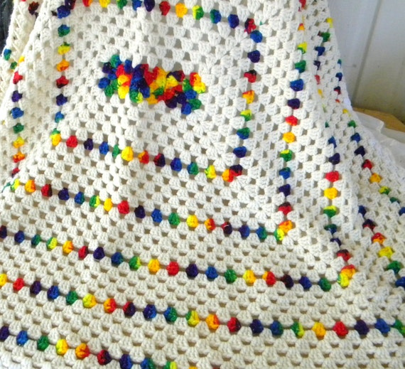 Vintage 70s Yellow Daisy Flower Afghan Throw Blanket Flower: Vintage Crocheted Afghan Blanket Throw Cream Variegated