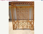 Big Sale Vintage Faux Bamboo Chinese Chippendale Chinoiserie Rattan Palm Beach Hollywood Regency Mid Century Modern Canopy Bed Queen Headboa