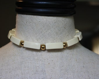Vintage Napier Cream Colored Choker Necklace