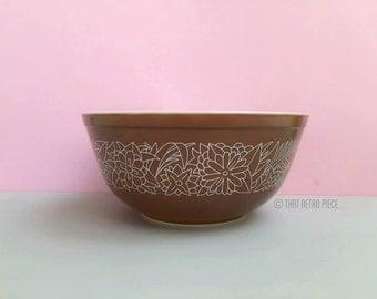 Pyrex 'Woodland' #403 nesting bowl (c.1978-84)