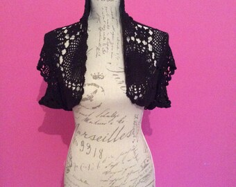 Stunning vintage crochet shrug / cover up