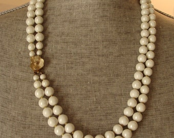 Vintage Faux Pearl Necklace - White Wedding Necklace - Golden tiny bead dividers - Brused Gold Flower Clasp - Victorian Necklace
