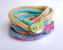 Knitted kids bracelet with wooden bird button, children's cord bracelet, girls jewelry, knit i cord bracelet, friendship, pink blue green