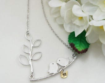 Branch And Love Bird Necklace. Baby Bird Initial. Mom Necklace. Family Necklace. Family Bird. Personalized Necklace. Gif for Grandma.