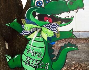 Items similar to alligator personalized bath hand towel jungle birthday party gift alligator - Florida gators bathroom decor ...