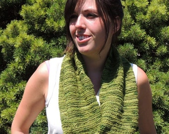 Infinity Scarf, Knit Scarf, Womens Scarves, Green Scarf, Cowl Scarf, Variegated Yarn, Womens Accessories,