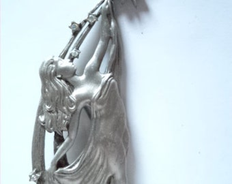 Vintage Signed JJ Silver pewter Lady Reaching for the Stars Brooch/Pin