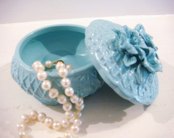 Blue trinket box, jewelry holder, girls jewelry box, flower girl gift, shabby chic decor, ring box, shabby chic decor