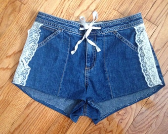 Lace trimmed high waiated shorts
