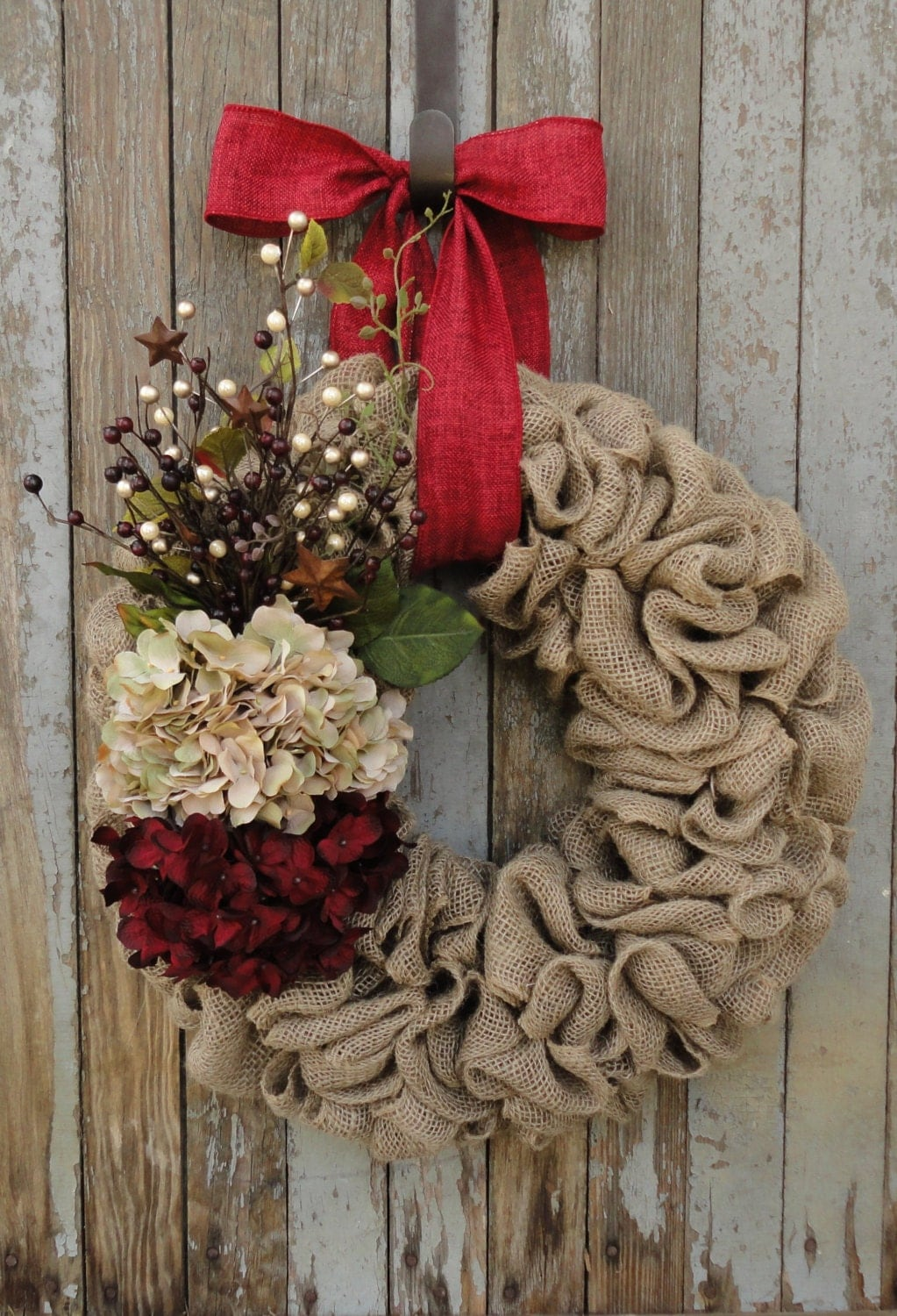 Christmas wreath burlap christmas wreath with beige and red Burlap xmas wreath