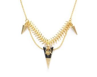 ZOE - delicate gold geometric necklace, triangle necklace, spike necklace, geometric necklace, graphic necklace, boho chic necklace, aztec