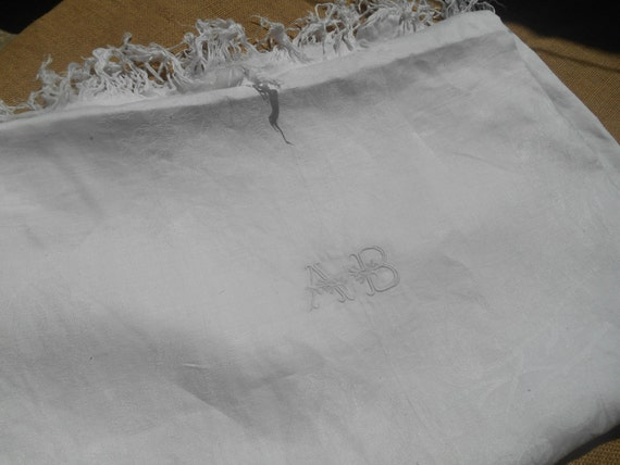 Victorian White Linen and Silk Damask Tablecloth Fringed French Handmade #sophieladydeparis
